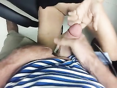 Guy splatters his load on girlfriend's clit